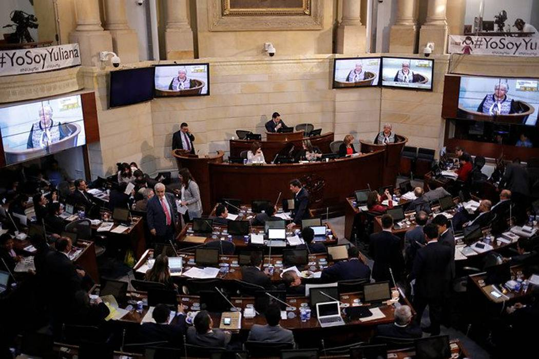 Amnistía e indulto especial pasó a las plenarias de Senado y Cámara