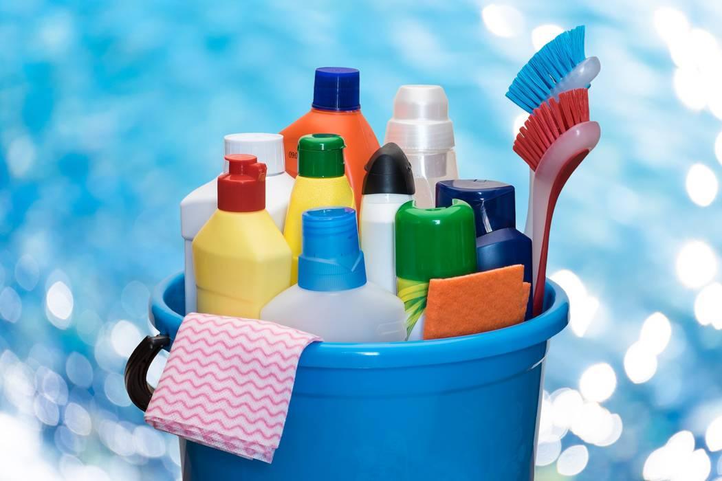 Aprenda a preparar sus propios limpiadores caseros