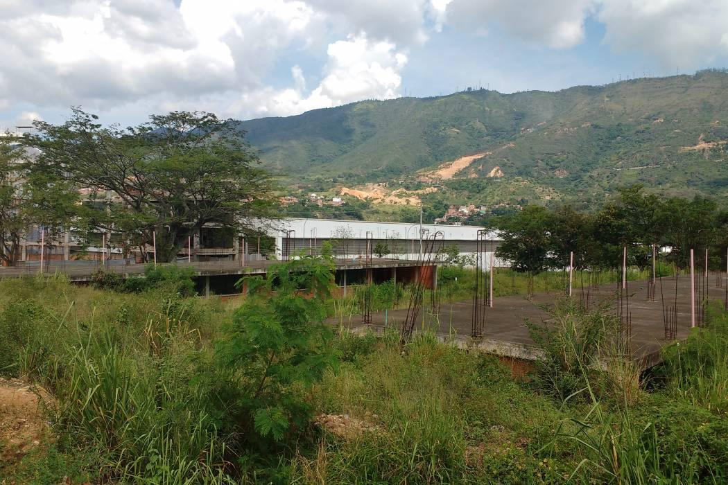 Comunidad espera que en 2017 se reanude obra en el Facundo Navas