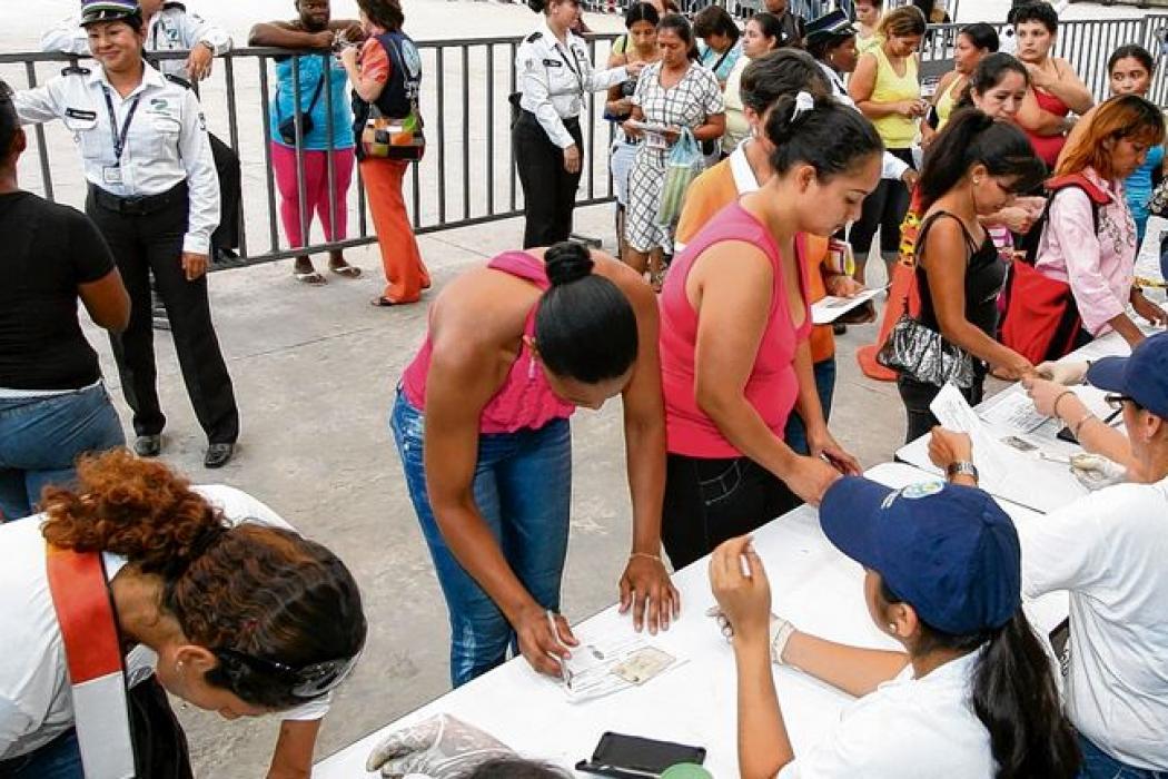Otros 900.000 colombianos salieron de la pobreza en 2016