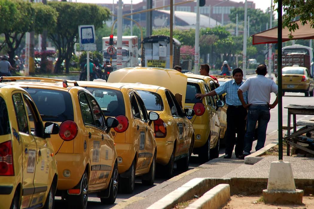 Taxistas de Bucaramanga no acataron levantamiento de 'Pico y Placa'