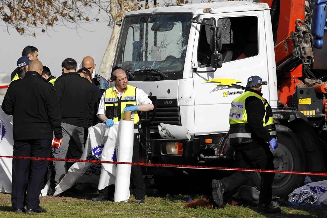 Al menos 4 muertos y 15 heridos en un ataque con un camión en Jerusalén