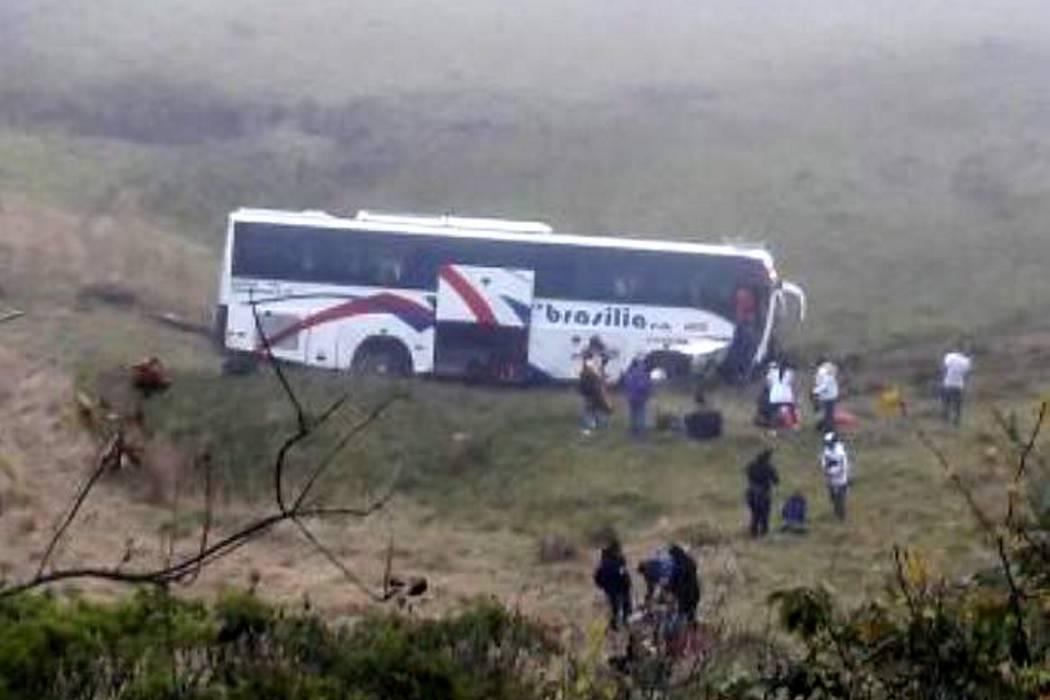 Un muerto y ocho heridos dejó accidente de un bus en vía Cúcuta - Bucaramanga
