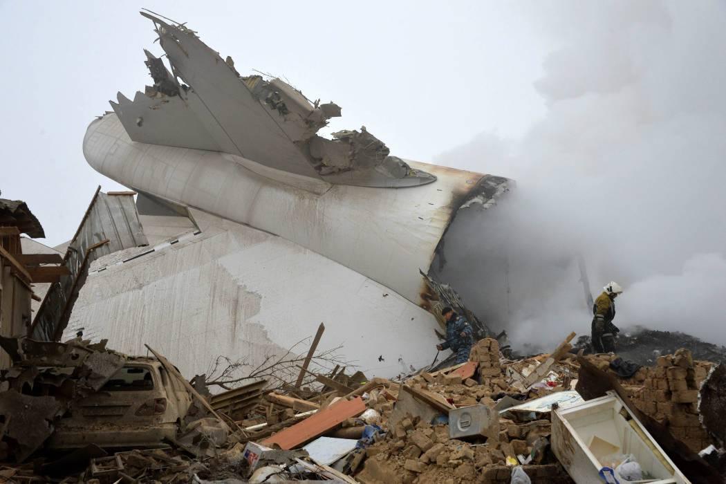 37 muertos dejó accidente de un avión en Kirguistán