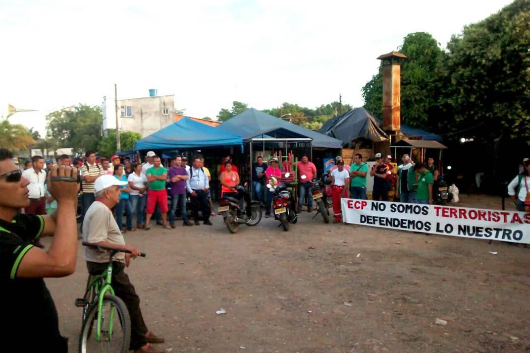 Comunidad de El Centro protesta a La Cira Infantas