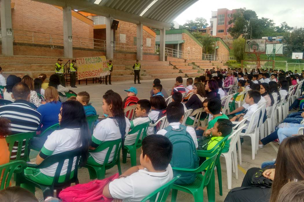 Policía de infancia coordinó regreso a clases con campaña