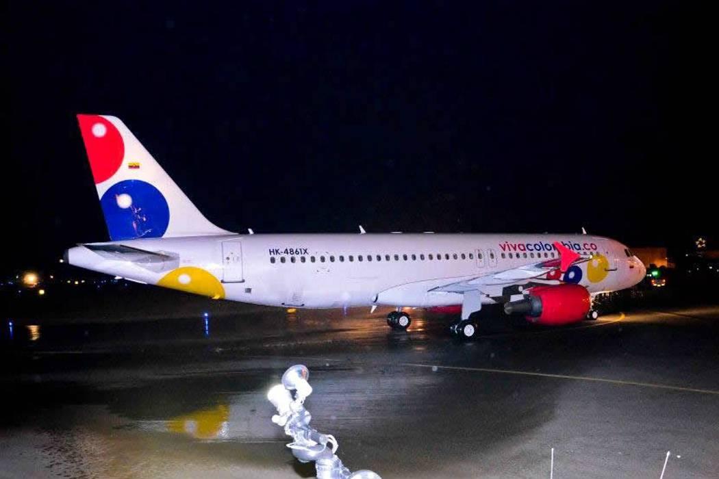 Avión de VivaColombia que viajaba a Bucaramanga fue impactado por un rayo