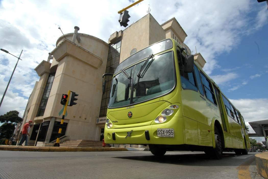 Conjuran paro de conductores de Metrolínea en Bucaramanga