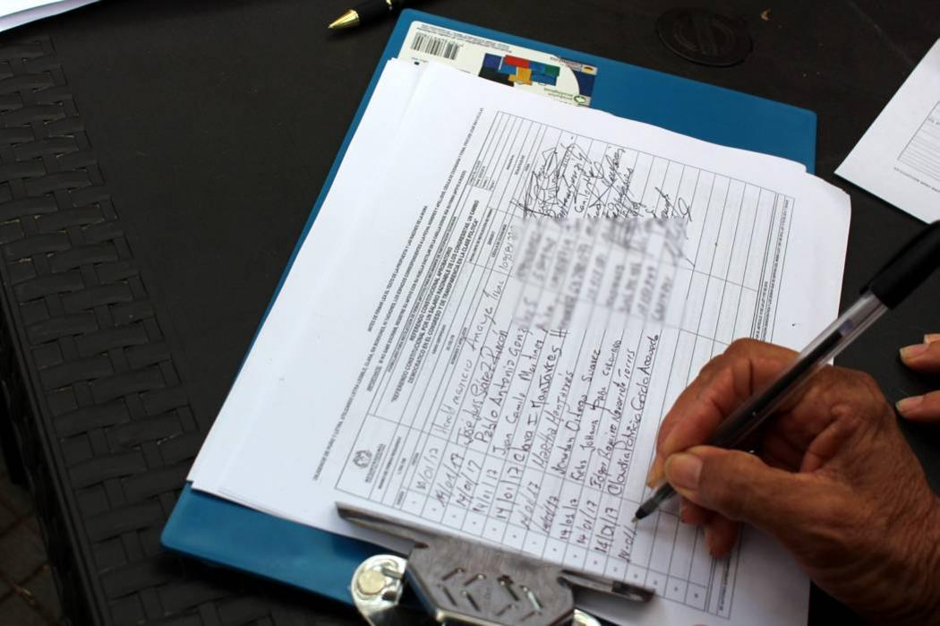 'Firmatón' en Bucaramanga para reducir sueldo a congresistas llega a la UIS