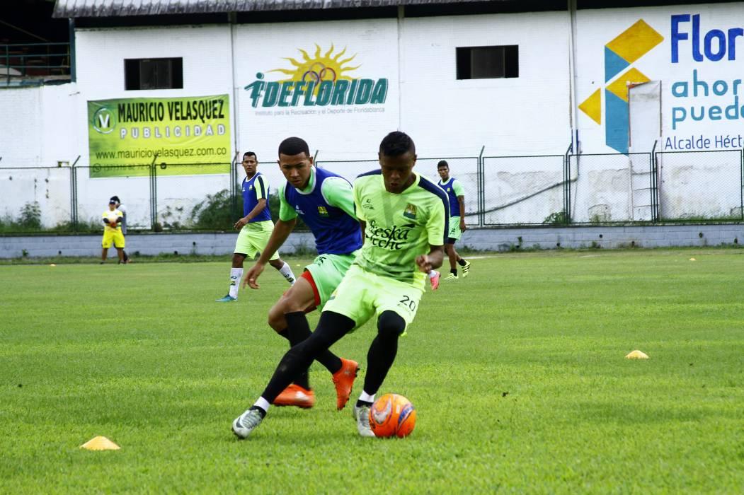 Al Atlético Bucaramanga le falta un central y un atacante
