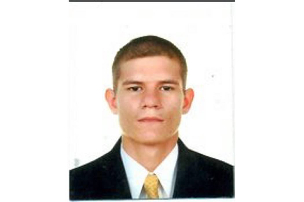 Familiares esperan a Oscar Durán Rojas