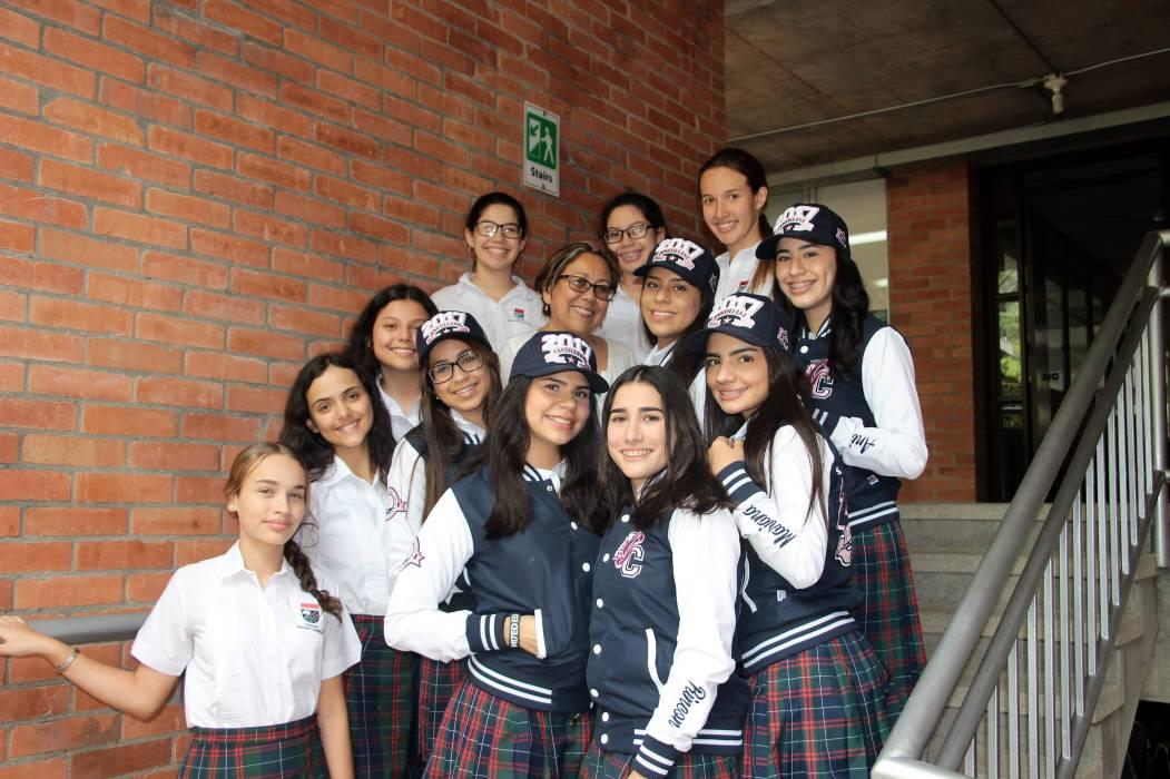 Alumnas del Aspaen Gimnasio Cantillana lideran foro en la \'Cumbre de ...