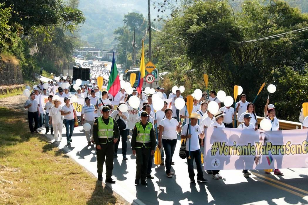 Este lunes habitantes de San Gil protestaron para solicitar la 'variante'