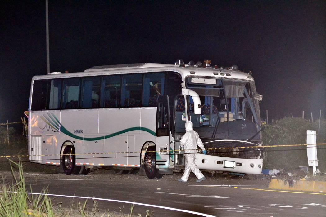 Cinco muertos y 35 heridos en accidente de un bus