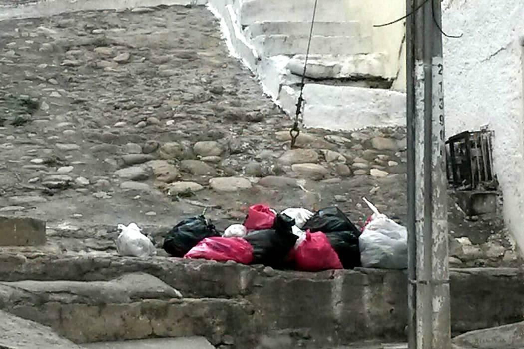 La comunidad de Girón espera cambios en horarios de la recolección de basura