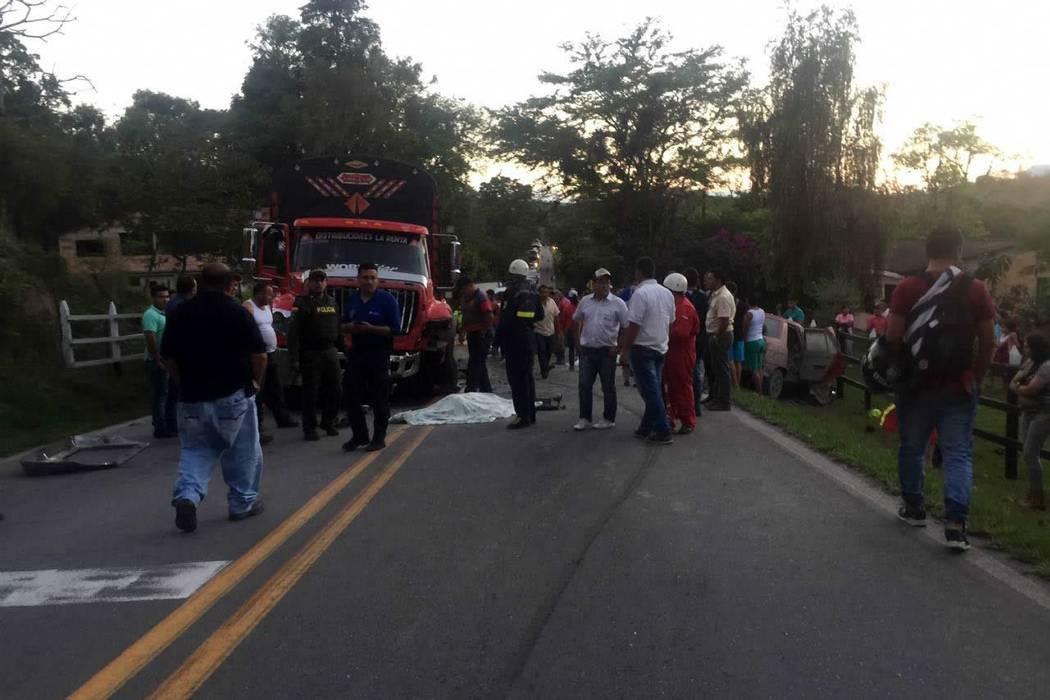 Accidente de tránsito en Santander dejó tres muertos