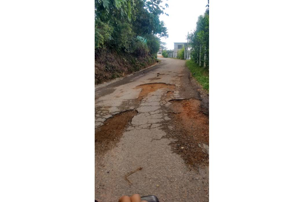 Comunidad sigue esperando arreglo de la vía al Santísimo