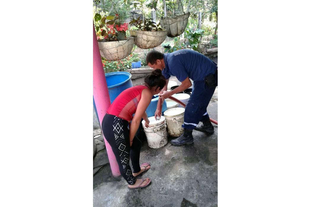 Refuerzan entrega de agua a veredas en Piedecuesta