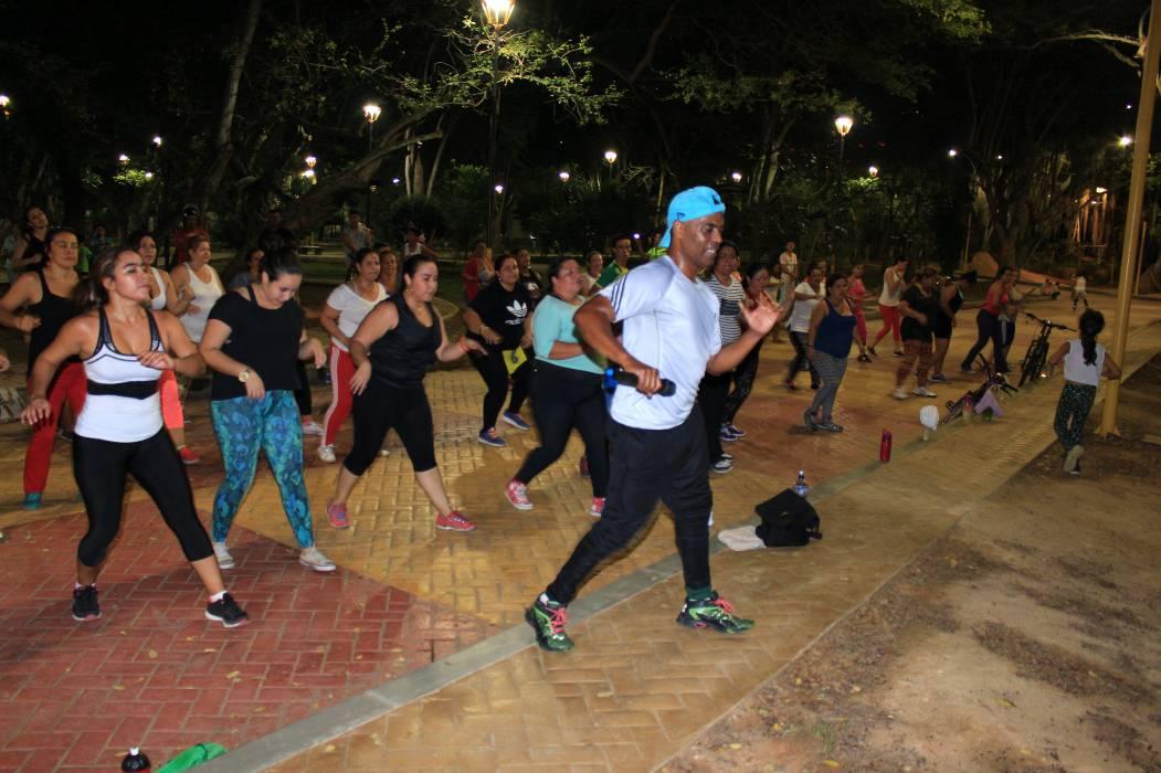 En las noches, jornadas de baile y salud para habitantes del municipio