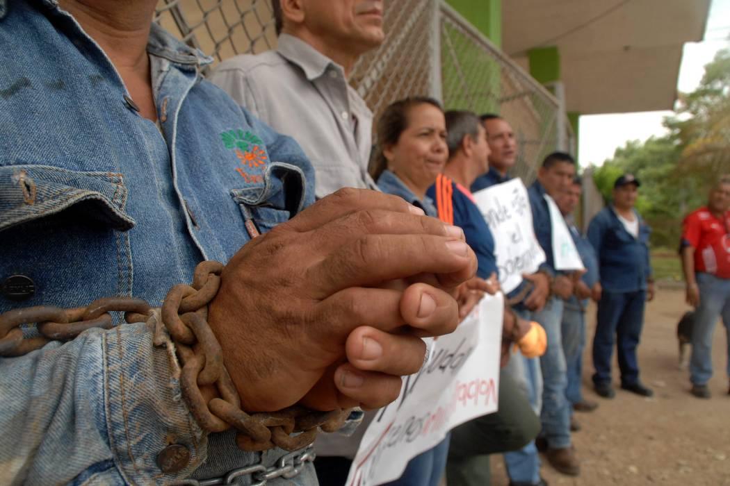 Sindicato protesta  en sede de Ferticol
