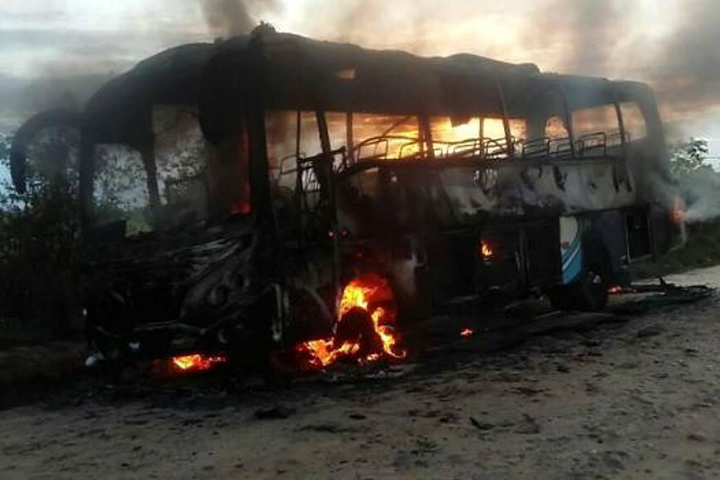Tras quema de tres de sus buses, Copetrán suspende sus despachos a Arauca