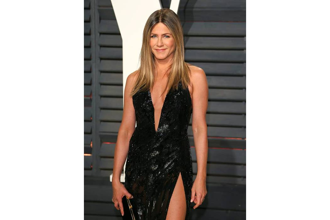 Jennifer Aniston gasta millones para verse joven