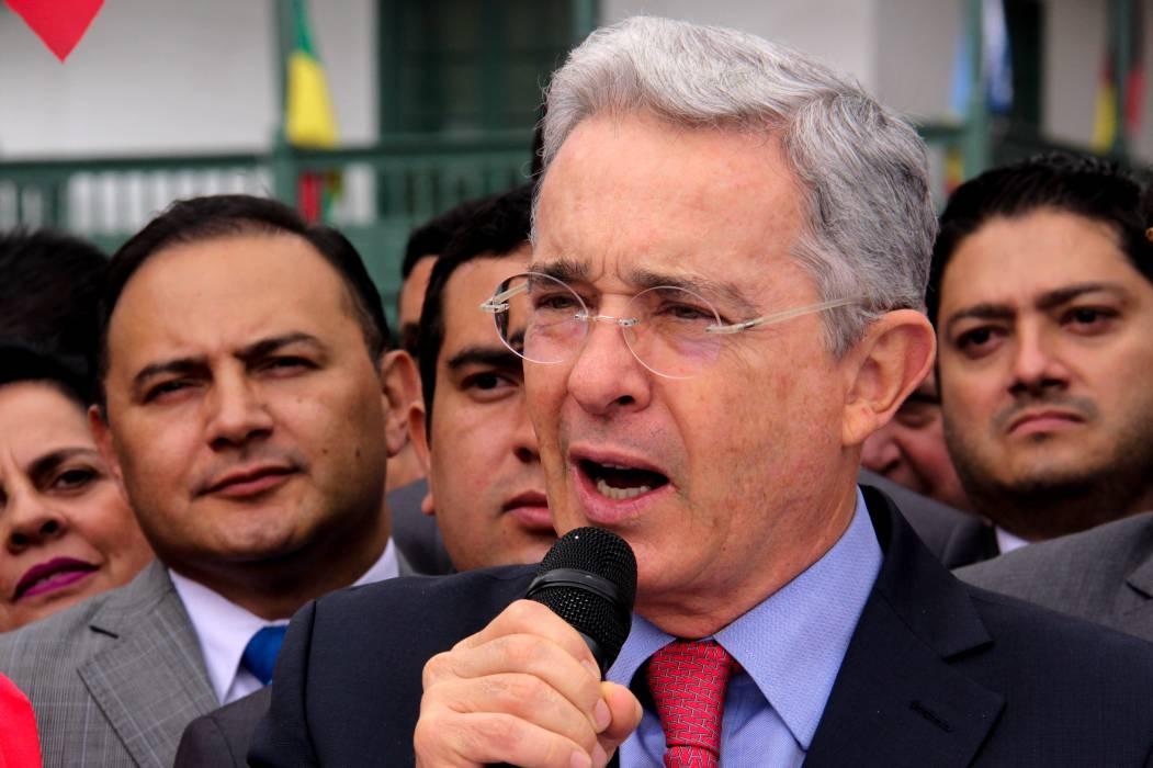 Unificar altas cortes, propuesta de Uribe