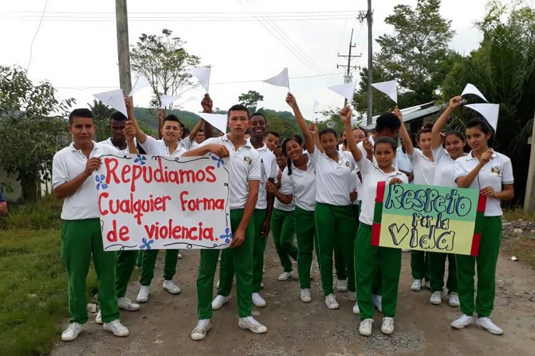 Comunidad de Santander protestó por asesinato de mujer y su pequeño hijo