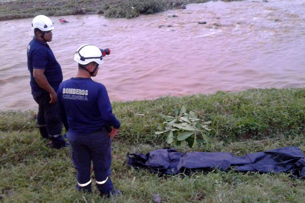 Docente murió tras ser arrastrada por un río en Santander