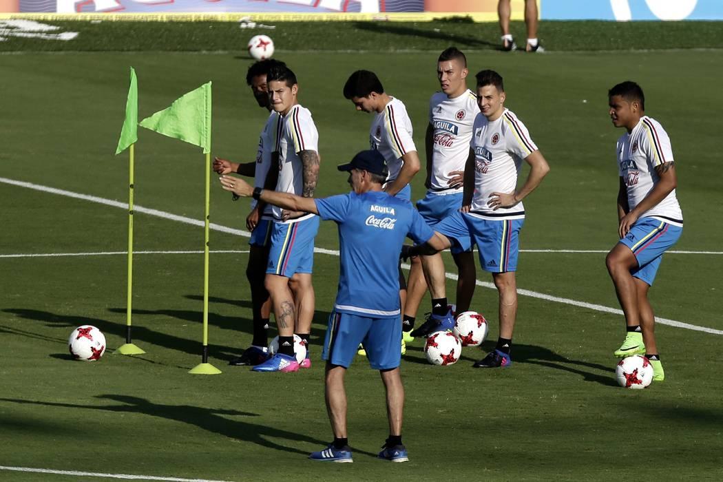 La Selección Colombia viaja este lunes a Quito para enfrentar a Ecuador