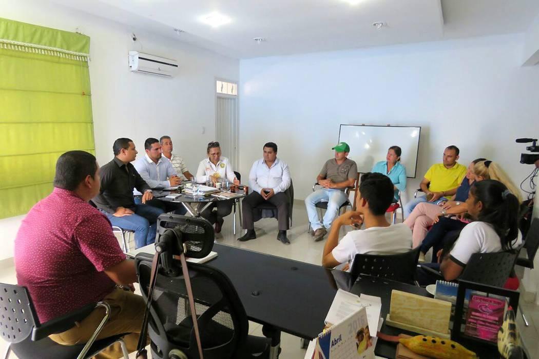 Contrataron 2 de los 3 docentes que piden alumnos de Landázuri
