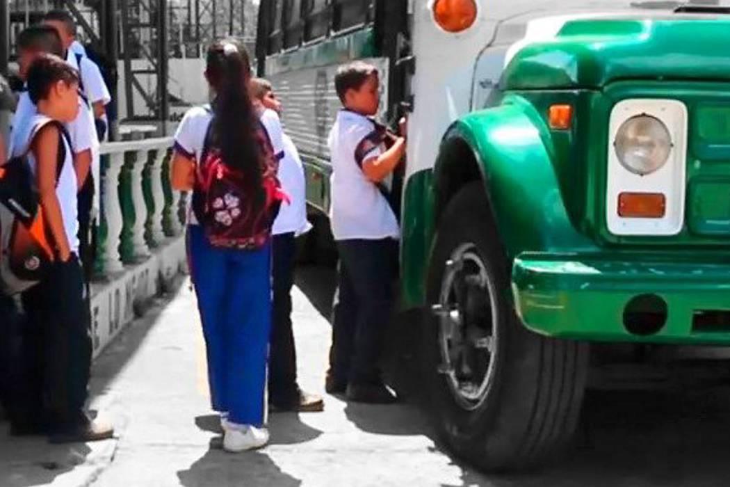 Realizaron controles a vehículos que prestan  el servicio de transporte escolar en Oiba