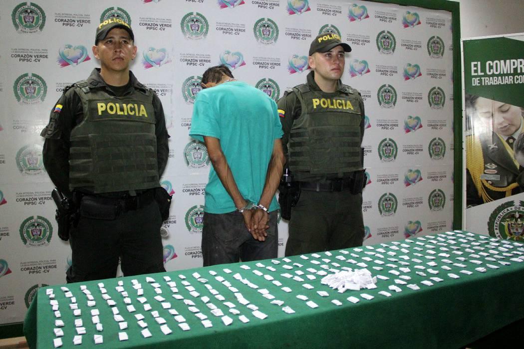 Capturado hombre con 294 dosis de cocaína