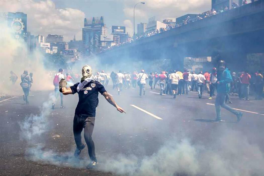 Crisis en Venezuela se agrava este sábado durante el cuarto día de disturbios