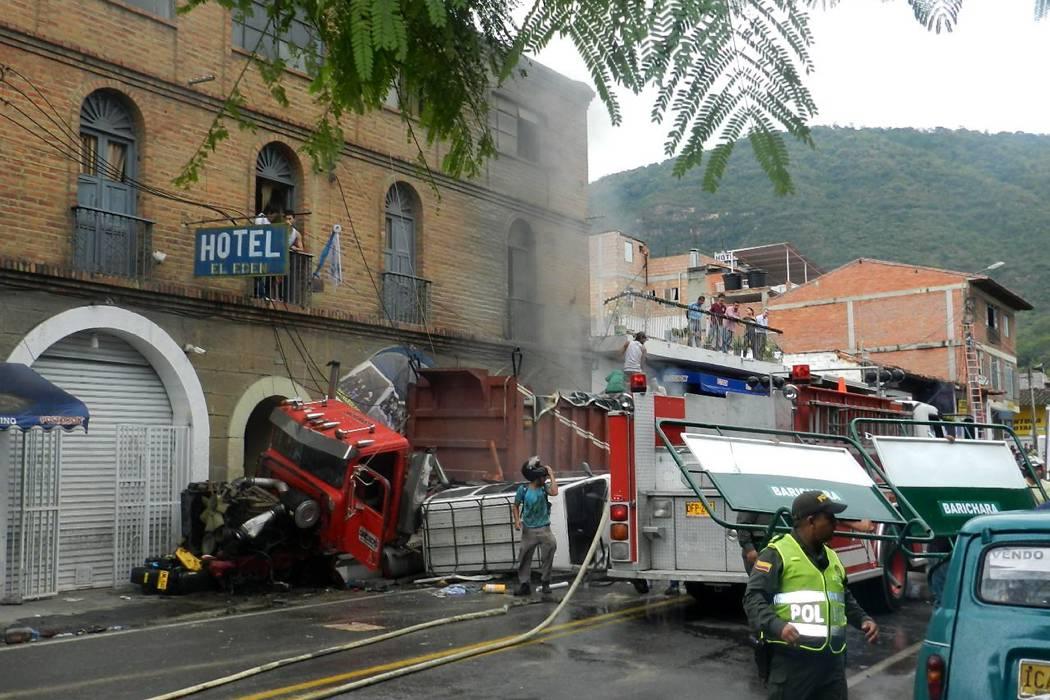 Autoridades confirman causa de accidente que dejó 5 muertos en San Gil en enero pasado
