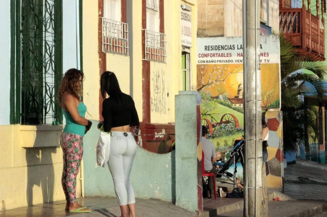 Prostituta de zona divas - 2 part 7