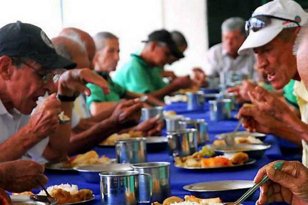 Advierten retrasos en el giro de recursos para ancianatos de Bucaramanga
