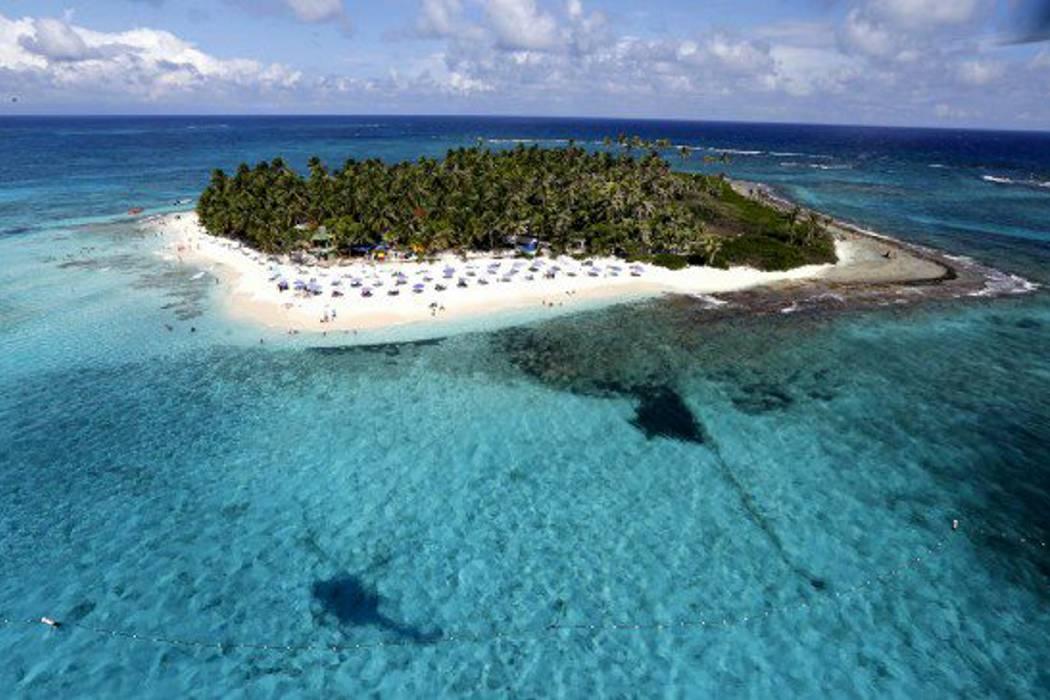 Piden cerrar playa de Johnny Cay para proteger el medio ambiente