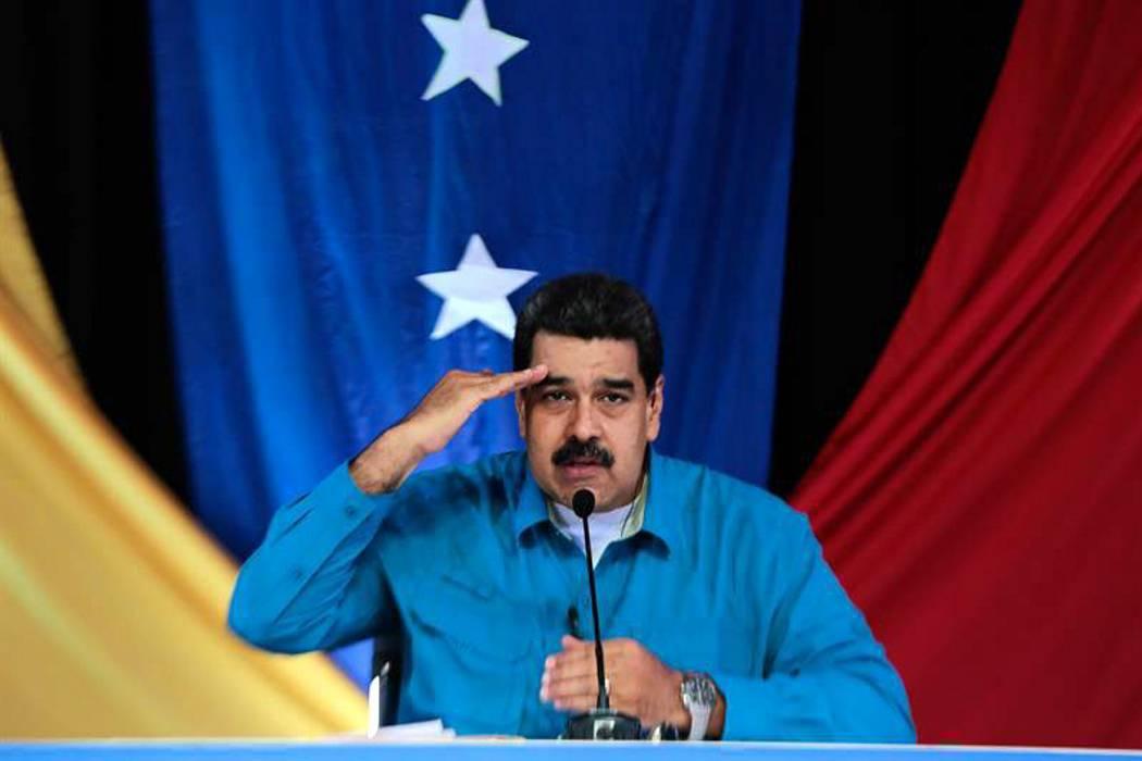 Maduro convocó a
