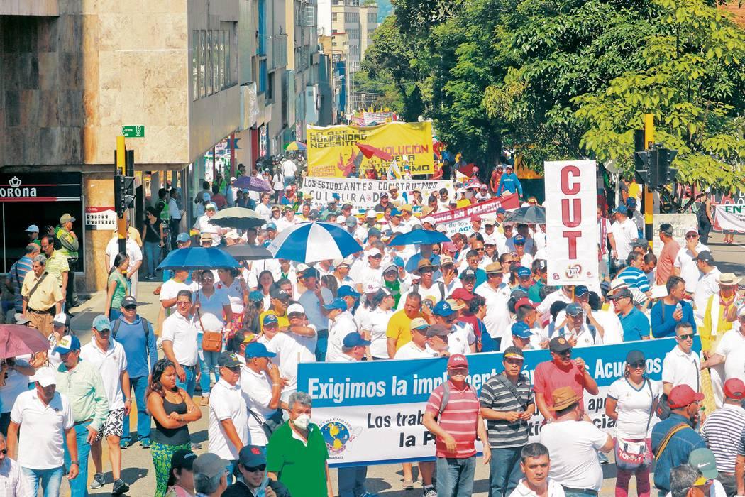 Sindicatos de Santander exigieron mejorar salarios, salud y pensión