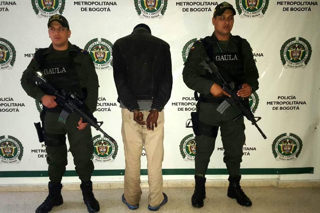 Capturan a dos personas investigadas por extorsión