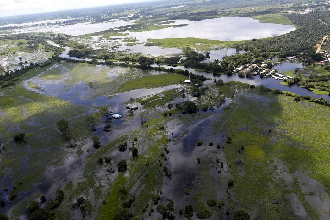 Se mantiene la alerta roja en 17 departamentos por lluvias
