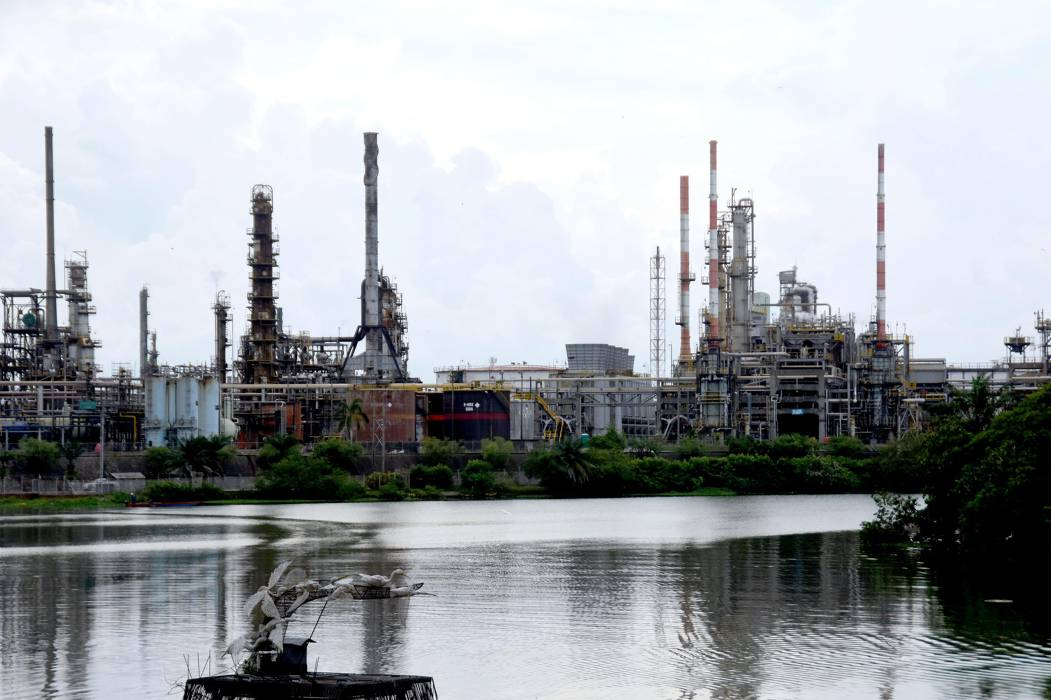 Con un cabildo abierto buscan salida al Proyecto de Modernización de la Refinería