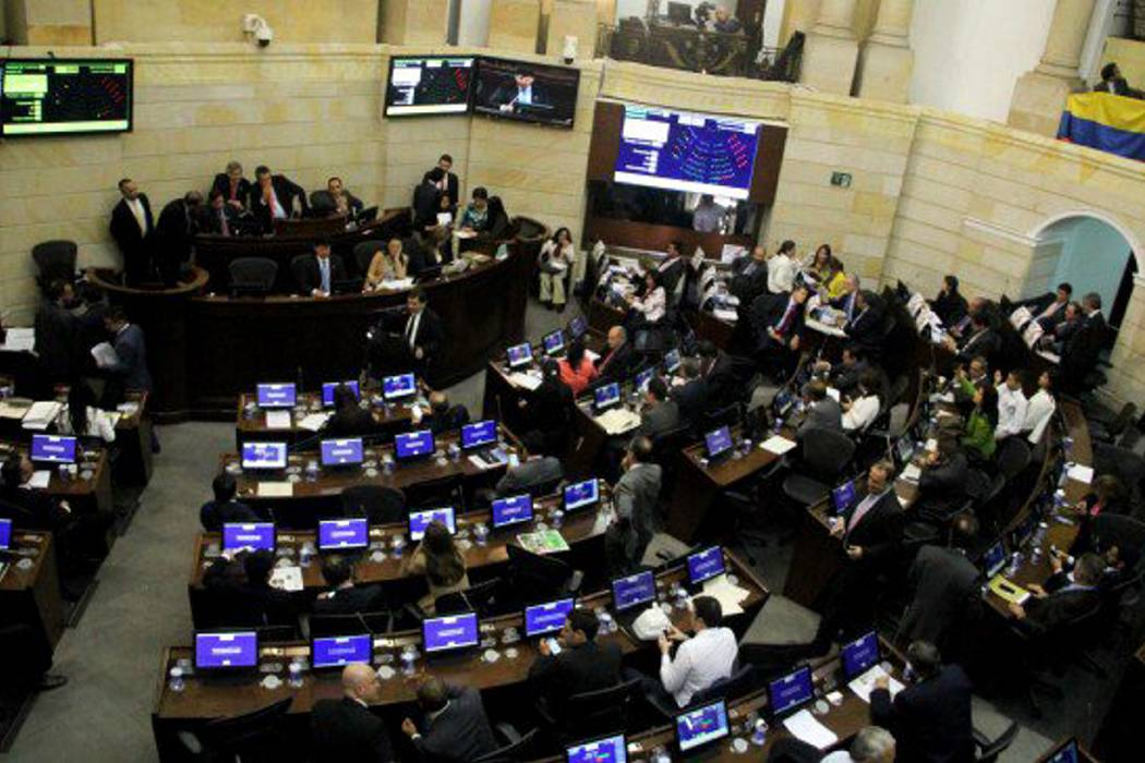 Senado aprobó ley que castiga el ausentismo de los congresistas