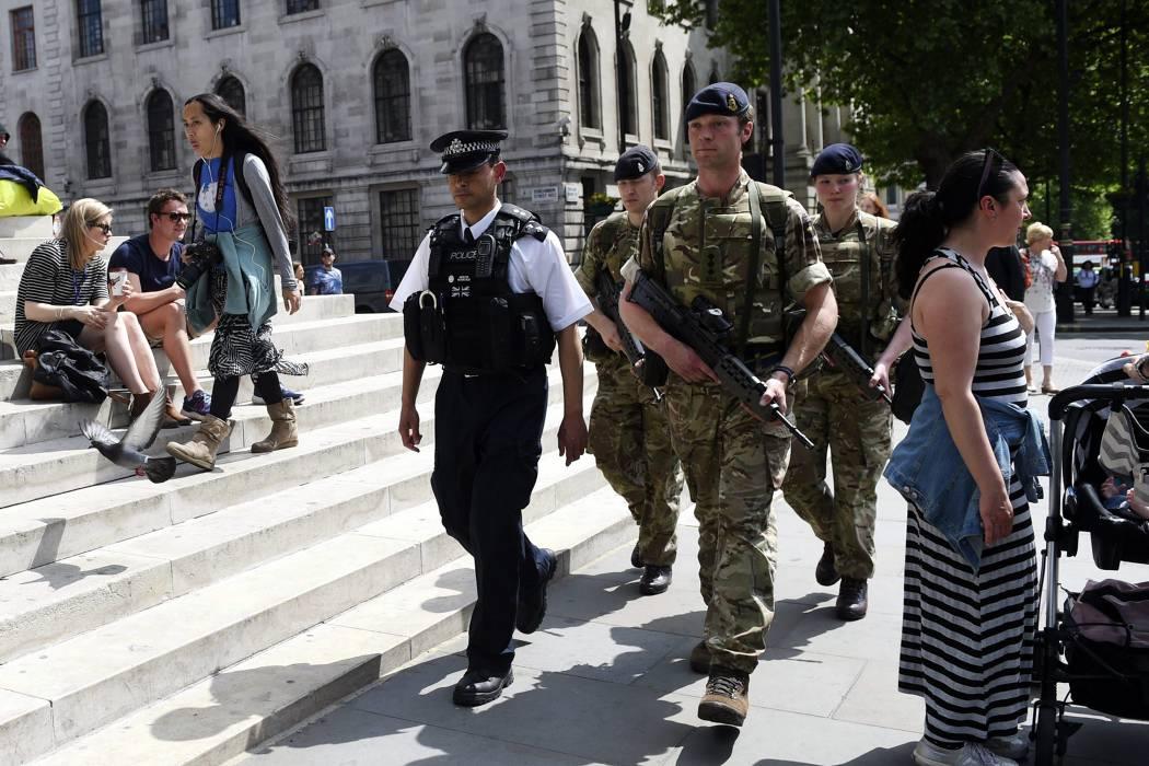 Cinco detenidos en búsqueda de red terrorista en Mánchester