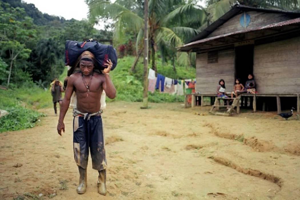 """Denuncian """"graves abusos"""" contra comunidades afro e indígenas en Colombia"""