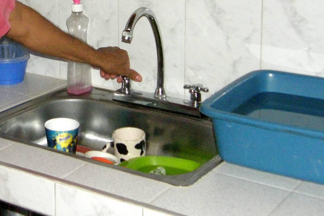 Se registra corte en el servicio de agua en la noche de este martes en Piedecuesta