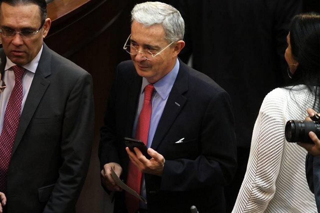 Corte Suprema de Justicia no investigará a Uribe Vélez por omisión de denuncia