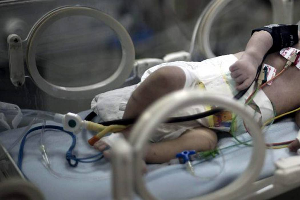 Investigan muerte de bebé por aparente maltrato