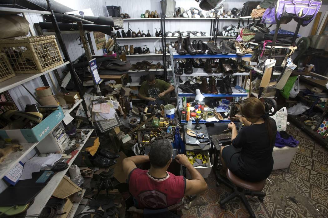 Este es el difícil panorama de los zapateros de Bucaramanga
